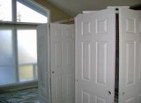025-door-painting